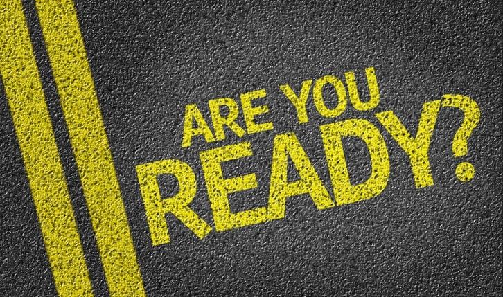 Bereit für die Business Continuity im Ernstfall? Gelber Schriftzug auf Strasse.