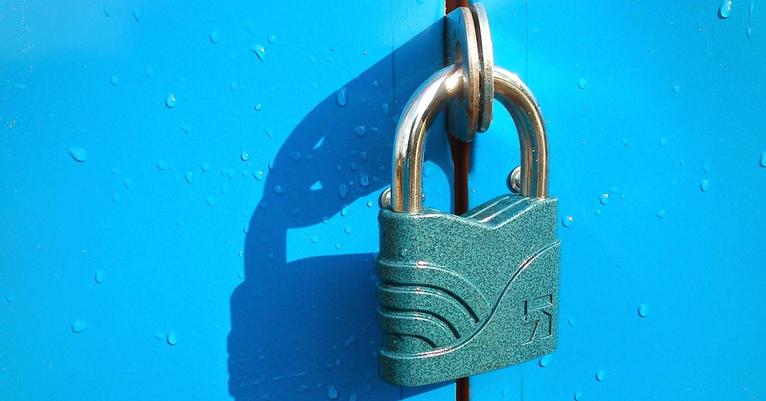 Schloss: Verschlüsselung von Daten nach Ransomware-angriff